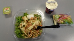 Manger dans une station service